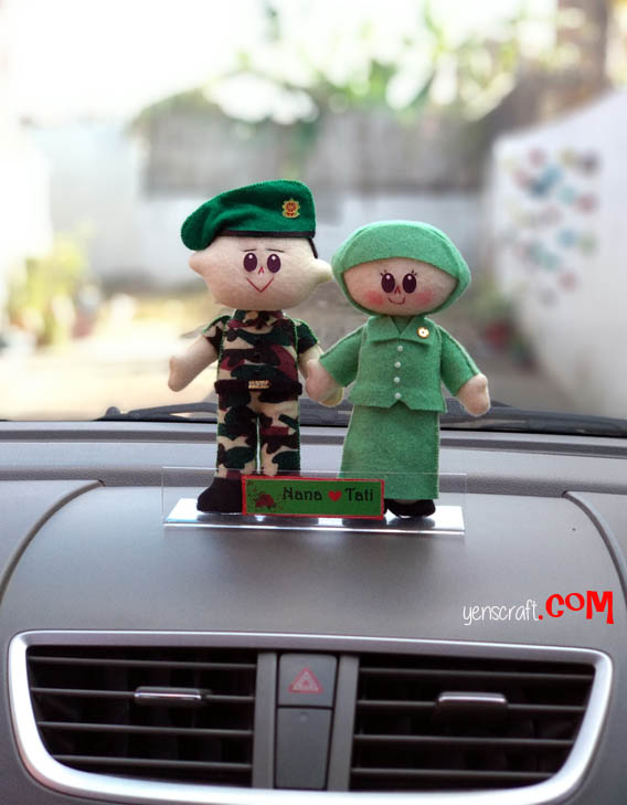 aksesoris dashboard boneka couple TNI Persit
