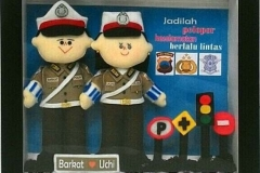 boneka couple polisi polwan