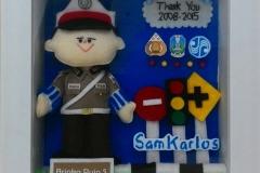 souvenir boneka polisi