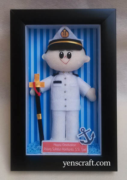 boneka wisuda pelaut pulung