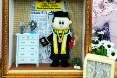 boneka wisuda universitas banjarbaru